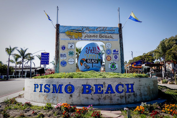 Welcome to Pismo Beach, the central California coastal town of 8,000 people, known for 18 miles of wide undeveloped coast,. drtamatic cliffs and caves and the ability to drive your car on the sand. Join us for a Photo Tour of Pismo Beach.