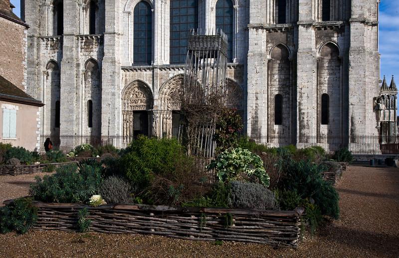 chartres garden.jpg
