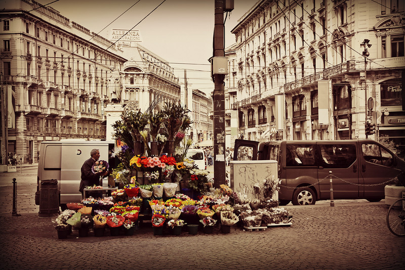 Flower vendor, Milan