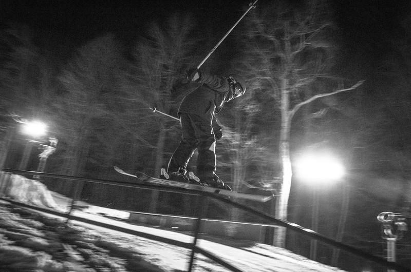 Nighttime-Rail-Jam_Snow-Trails-137.jpg