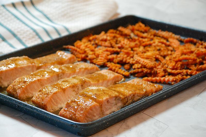 sheetpan-salmon-and-rotini-2.png