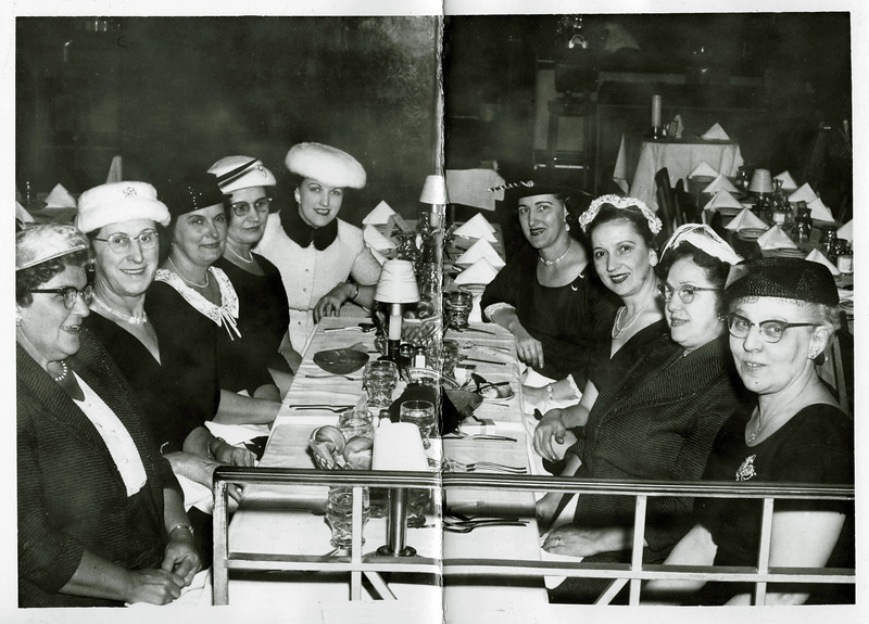 Grandma Z, second from the left. More guessing: this is a meeting of the Royal Neighbors of America. Solid proposition: it was an age of hats.
