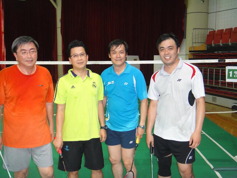 [20110820] MIBs vs. LSH @ BJ R&F Club (8).JPG