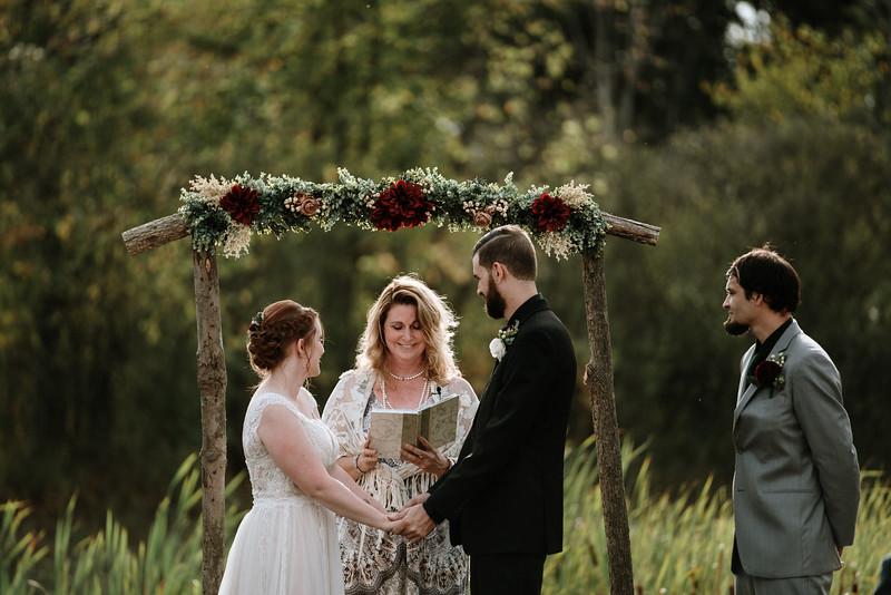 rustic_ohio__fall_barn_wedding-215.jpg