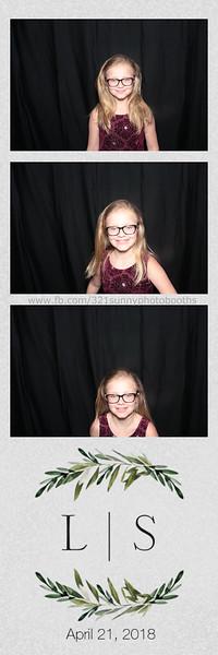 ELP0421 Lauren & Stephen wedding photobooth 29.jpg