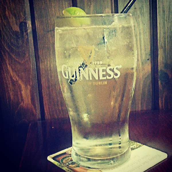 White_wine_spritzer_in_a_pint_glass_is_the_perfect_after_work_drink_in_the_summer..jpg