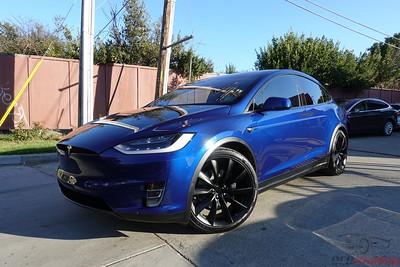 Tesla Model X 75D - Deep Blue Metallic