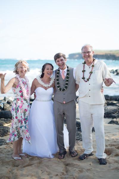 gillin beach kauai wedding-158.jpg