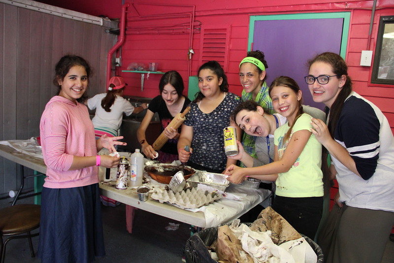 kars4kids_thezone_camp_girlsDivsion_activities_baking (75).JPG