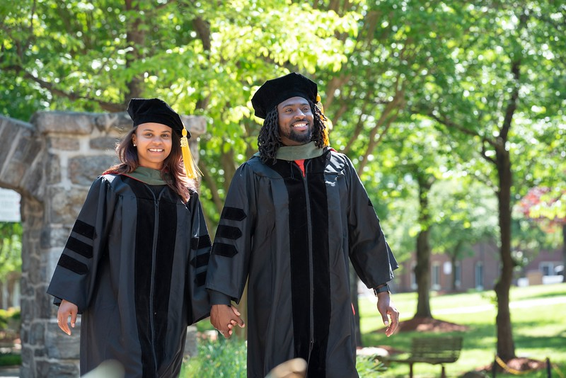 20190428 Cap and Gown Apu and Rahsan 349Ed.jpg