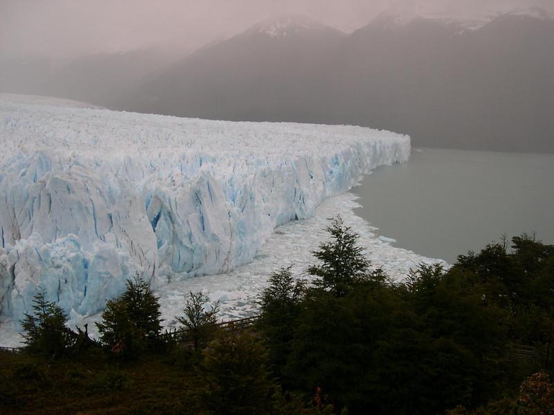 Side view Moreno glacier
