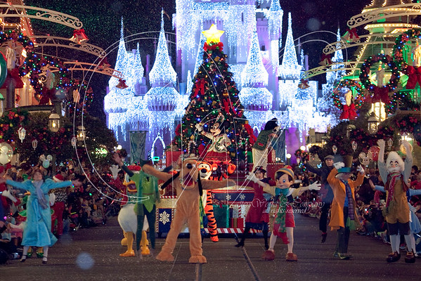 Mickey's Christmastime Parade