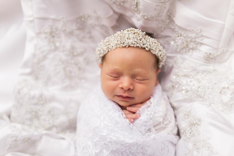 Kaylyn Newborn-115.jpg