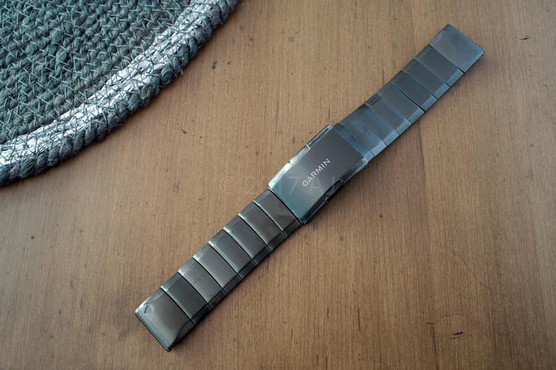 Garmin-Fenix-5-Sapphire-4.jpg