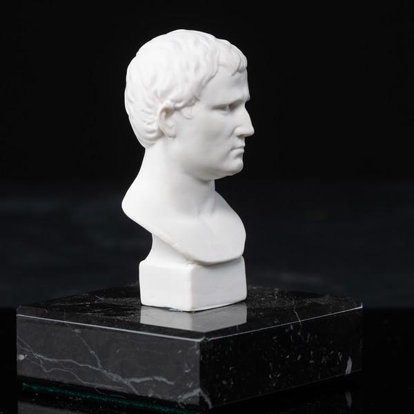 Statue-1-477.jpg