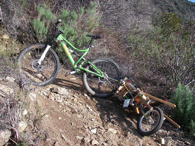 20080202045-Corba Ken Burton Trailwork, Bionicon, Bob Trailer.JPG
