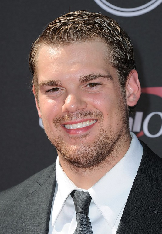 . Chicago Blackhawks\' Drew LeBlanc arrives at the ESPY Awards on Wednesday, July 17, 2013, at Nokia Theater in Los Angeles. (Photo by Jordan Strauss/Invision/AP)