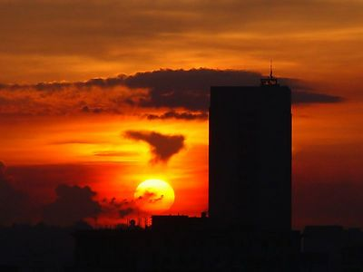 Sunrise and Sunsets - Vedado