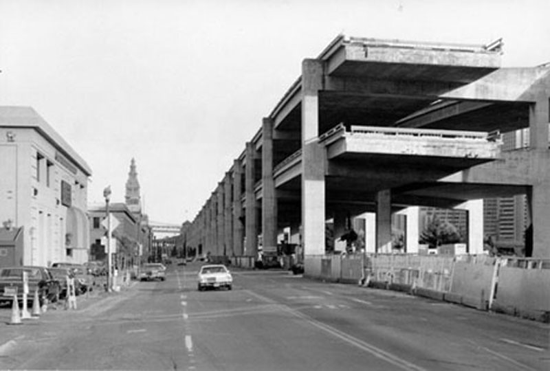 Embarcadero Freeway - 1990.jpg