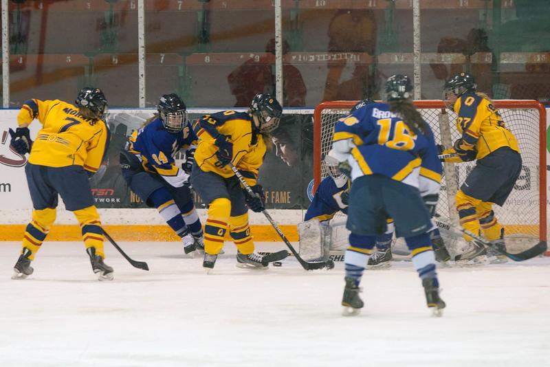 20130310 QWHockeyvsUBC 187.jpg