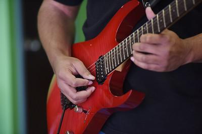 gilmer-guitar-teacher-offers-music-motivation