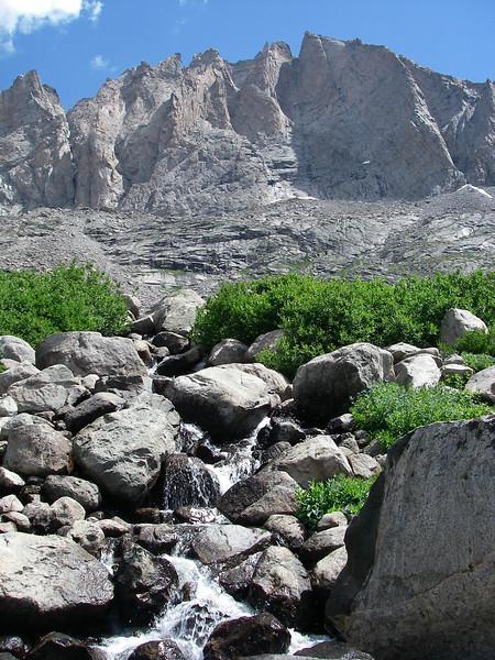 ... and Fremont Peak 13,745ft (4.189m) above us. (Wyoming's third highest peak).
