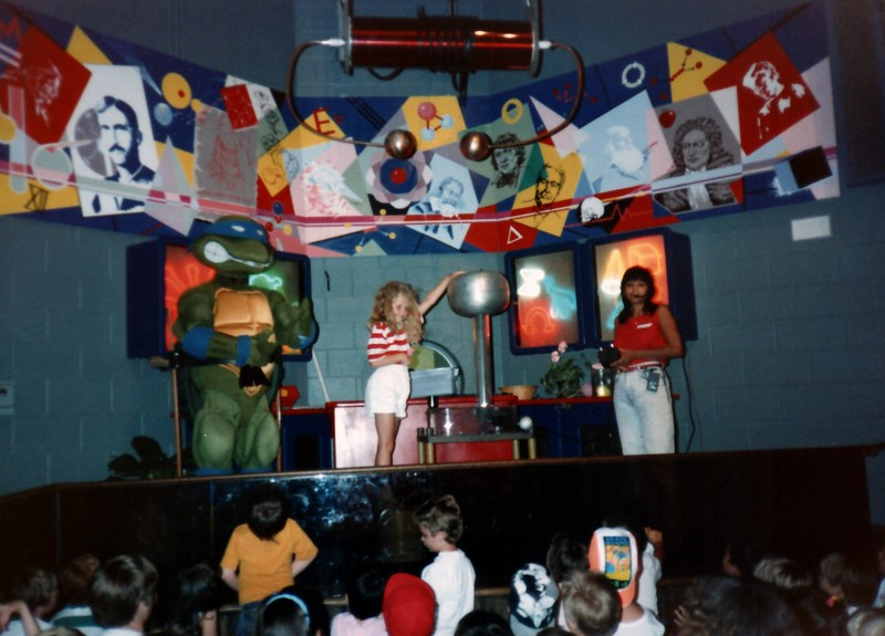 1989_Spring_Yankee_Stadium_Science_Center_0014_a.jpg