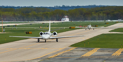 Holman traffic jam Cessna 560 followed by Piper Warrior (PA-161)