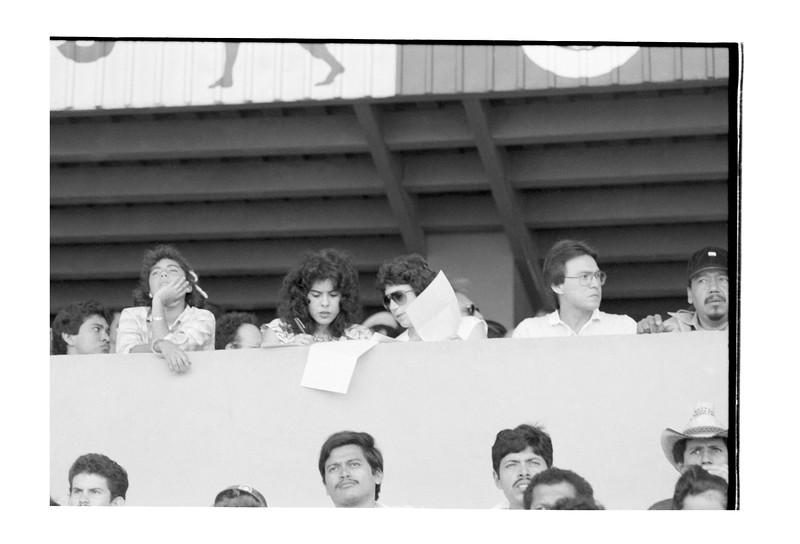 1987 Nicaragua Baseball game Ortega's wife 2.jpg