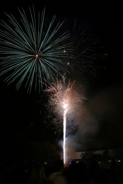 2007_1102putneyfireworks193.JPG