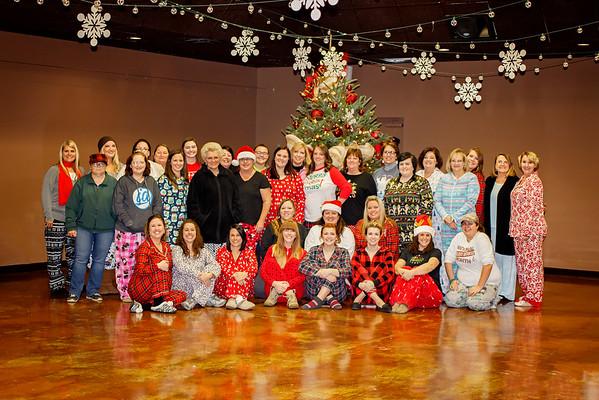 Exquisite Ladies Pajamas & Paints Party
