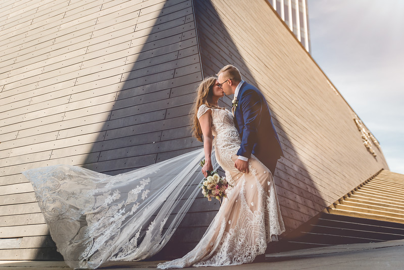 Mr. & Mrs. Duff l A Downtown Hilton Wedding