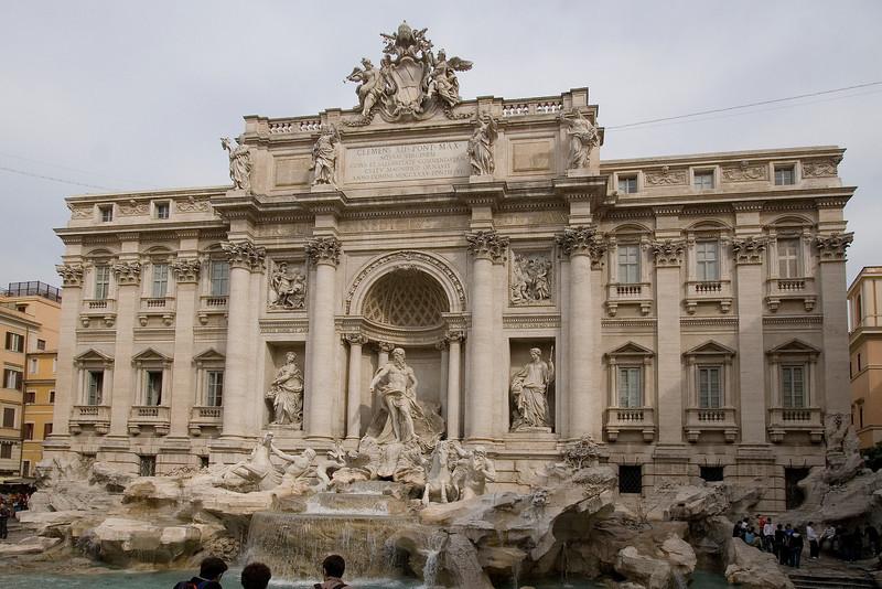 Trevi Fountain 2.jpg