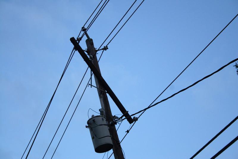 busted crossbar that created arcing from 1 13kv line to the other.