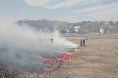 Saugus, MA - Brush Fire, End of Auburn Street, 4-25-08