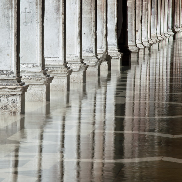 Venice pillars.jpg