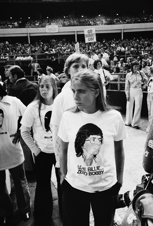 """. Supporters of Billie Jean King are shown at the Astrodome in Houston, Tex., Sep 20,1973 as King will participate in a $100,000 winner-take-all \""""Battle of the Sexes\"""" match against  Bobby Riggs.(AP Photo)"""