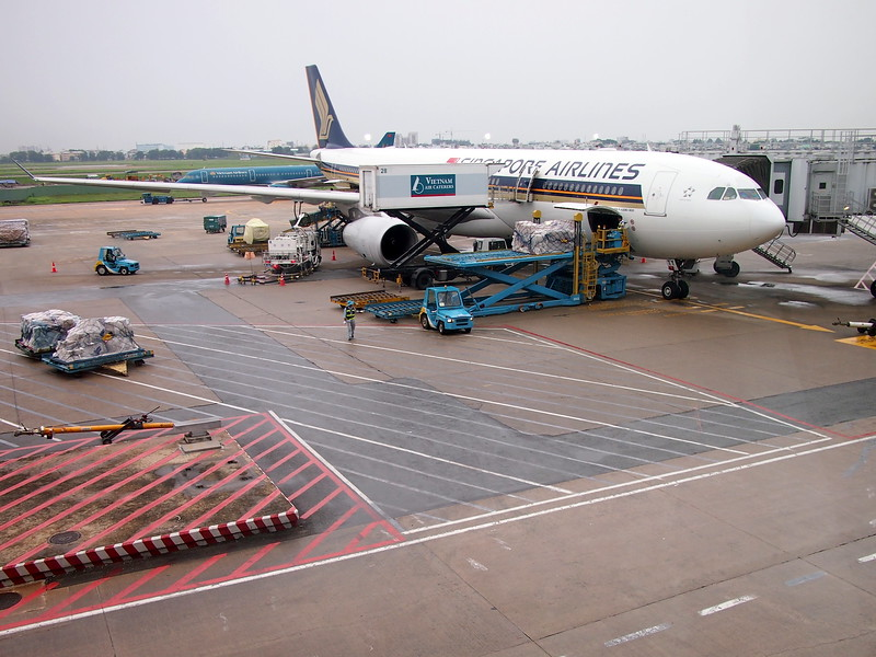 P9016111-singapore-airlines-at-sgn.JPG