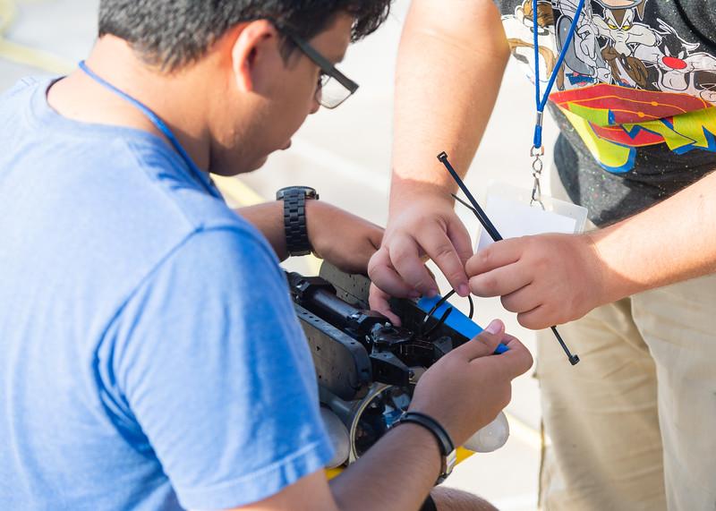 2018_0629_UnderwaterRoboticsCamp-CampusPool-0163.jpg