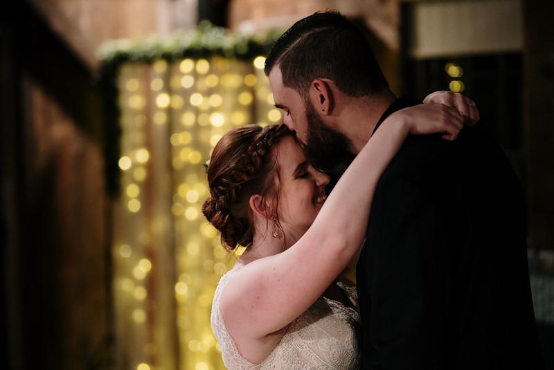 rustic_ohio__fall_barn_wedding-378.jpg