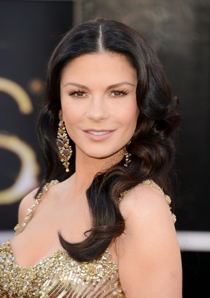 Description of . Actress Catherine Zeta-Jones arrives at the Oscars at Hollywood & Highland Center on February 24, 2013 in Hollywood, California.  (Photo by Jason Merritt/Getty Images)