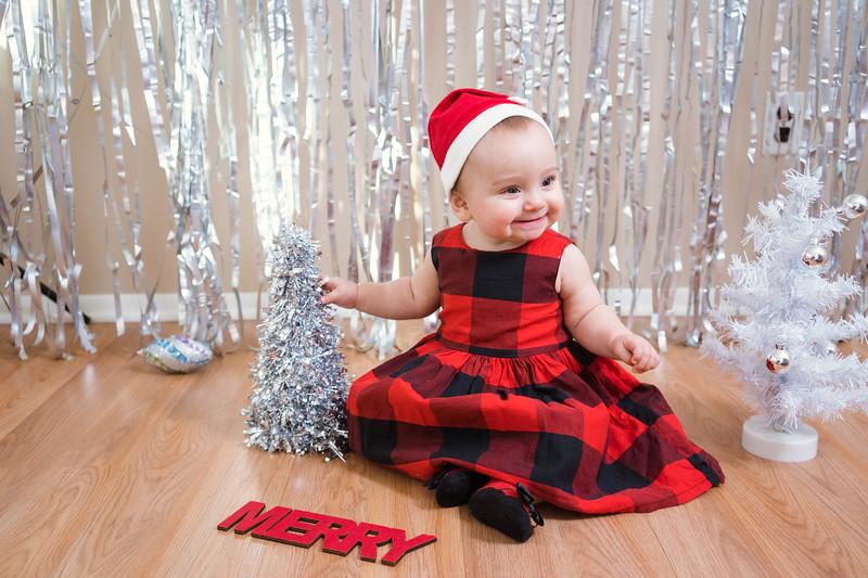 Aubreys1stchristmas-17.jpg