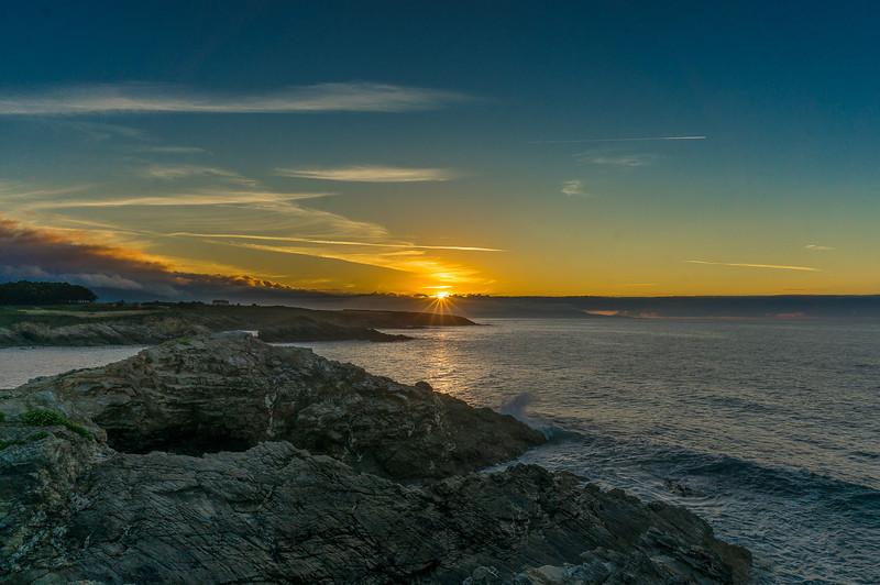 Puesta de sol vista desde Piñeira de Ribadeo, Galicia Spain
