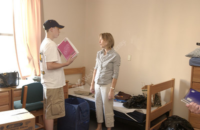 23202 STUDENTS MOVING INTO DORMS