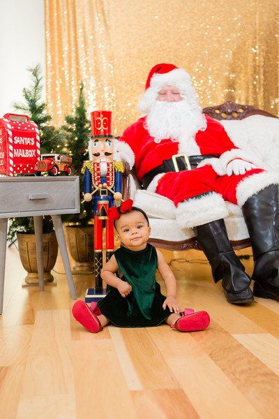 FADS Picture with Santa-183.jpg