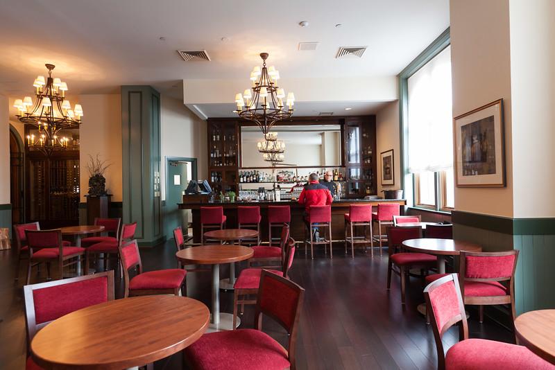 American Bounty Restaurant 's Tavern