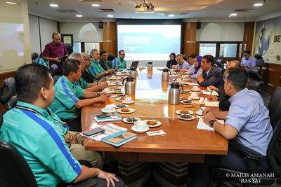 KUNJUNGAN HORMAT DARIPADA UNIVERSITI MALAYSIA PAHANG
