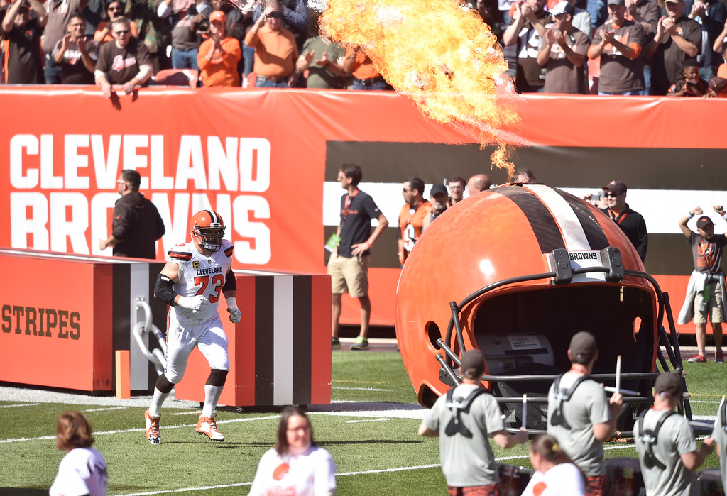 . Cleveland Browns offensive tackle Joe Thomas (73) runs on the field before an NFL football game against the Cincinnati Bengals, Sunday, Oct. 1, 2017, in Cleveland. Cincinnati won 31-7. (AP Photo/David Richard)