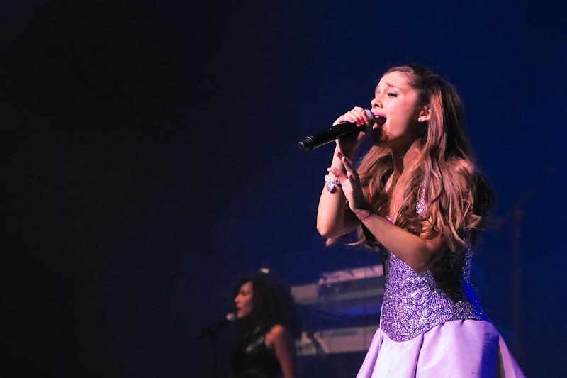 13-08-29 _Ariana