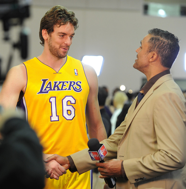 . Pau Gasol is interviewed by former Laker and current NBA TV reporter Rick Fox.Pau Gasol is interviewed by former Laker and current NBA TV reporter Rick Fox.The Los Angeles Lakers held a media day at their El Segundo practice facility. Players were photographed for team materials, and interviewed by the press. El Segundo, CA. 9/27/2013. photo by (John McCoy/Los An8eles Daily News)